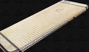 Lanzamiento del iPhone 6 con diamantes